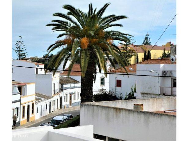 Tavira, moradia de 2 quartos com terraços no último piso.
