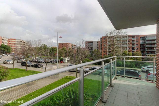 Excelente apartamento T3 com garagem para dois carros na Malvarosa,