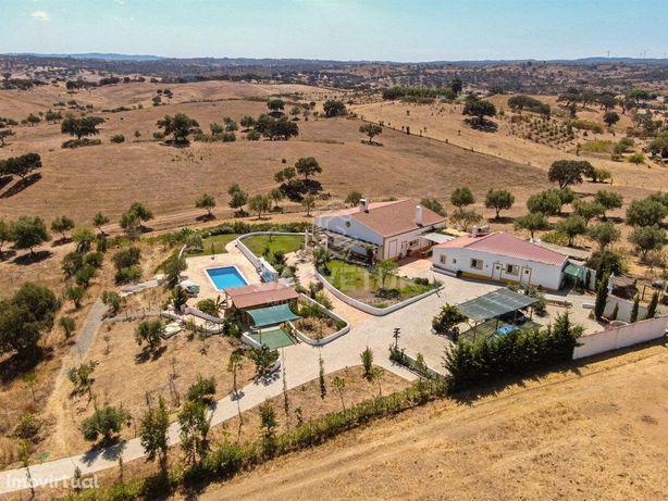 Quinta com piscina em Almodôvar, Alentejo