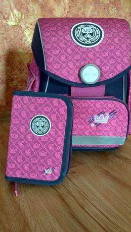 Школьный рюкзак +пенал для девочки