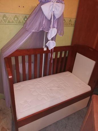 Lozeczko niemowlęce z ściągania przednia barierka