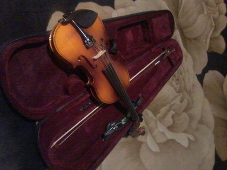 Скрипка3/4Maxtone