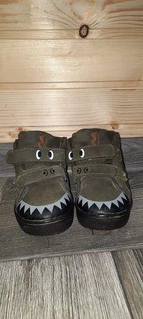 Продам ботинки..