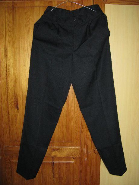 Spodnie wizytowe czarne chłopiece