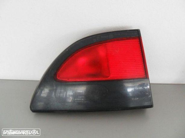 PEÇAS AUTO - Renault Megane Classic - Farolim Mala Esquerdo - FR115