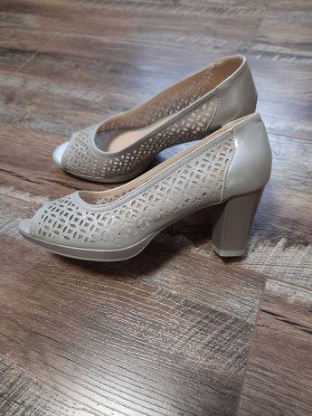 Жіночі туфлі Італія р.37