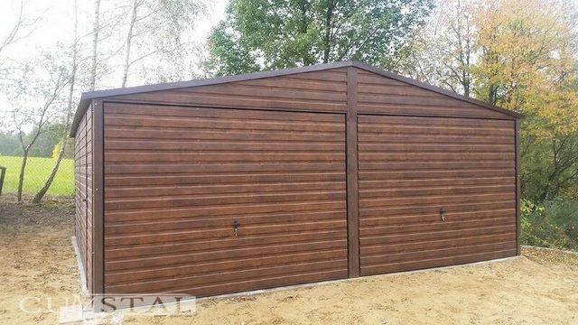 """Garaż blaszany dwuspadowy z blachy drewnopodobnej w kolorze """"orzech"""""""