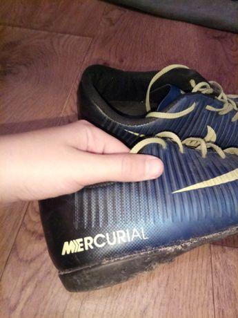 Футбольные кросовки (бутсы) найк меркуриал