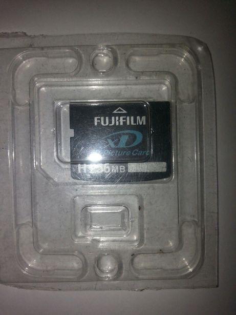 "Карта памяти""FujiFilm""."