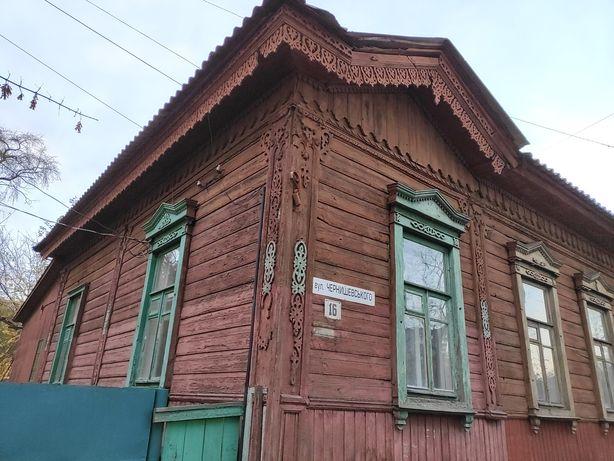 Фасадная часть дома в тихом центре