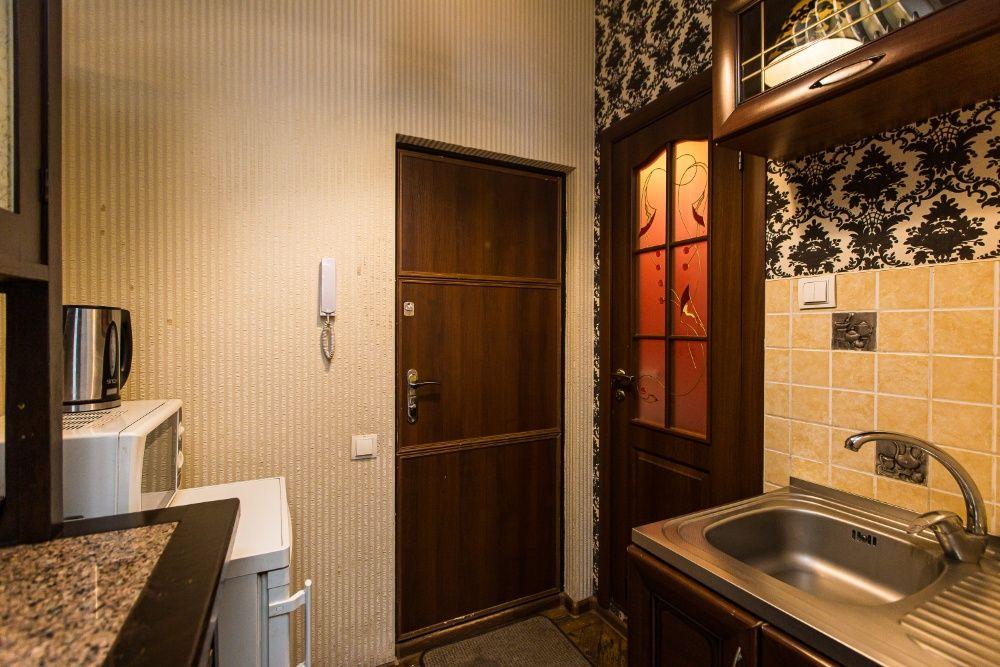 Подобово,погодинно квартира біля Палацу Мистецтв,по вул.Коперніка,WiFi-1