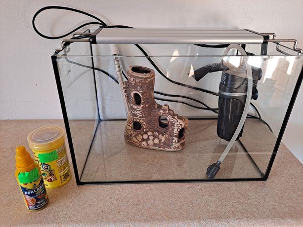 Akwarium dla rybek - komplet