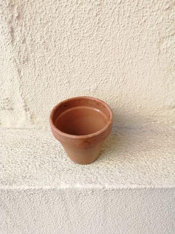 1 vaso de barro pequeno