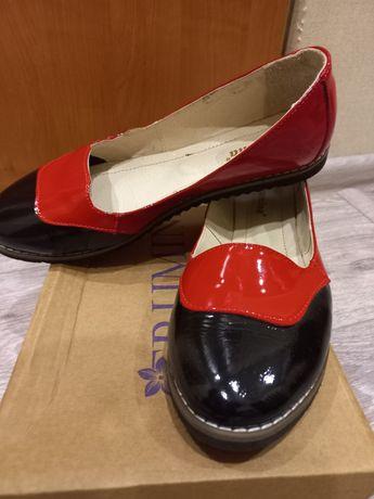 Женские туфли, кожа.