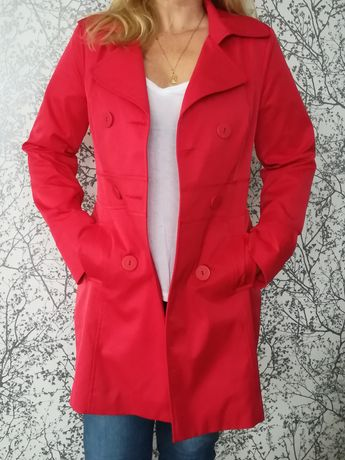 Płaszcz wiosenny czerwień malinowa.