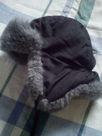 Зимняя,утепленная (непродувашка) шапка на ребенка от 2 до 3 лет.