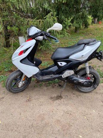 Motor Yamacha Aerox