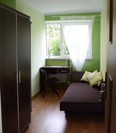 Przytulny pokój. Metro Młociny. UKSW, AWF, Galeria Młociny