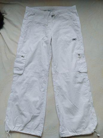 Białe sportowe spodnie Reebok S