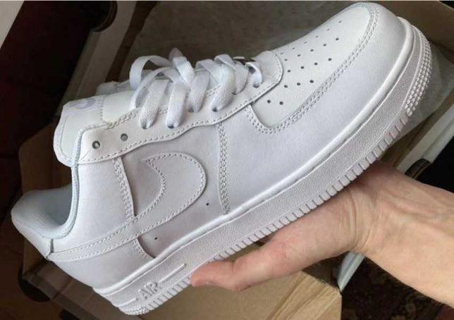 Кроссовки Nike Air Force белые кеды найк новые