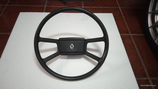 Volante Renault 12