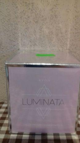 Perfum firmy avon luminata