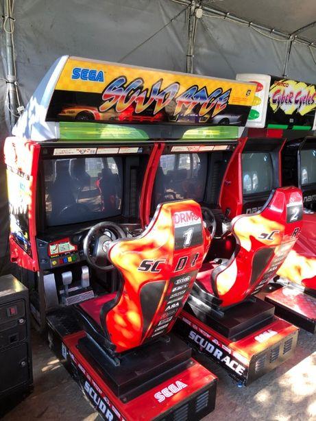Symulator jazdy SCUD RACE - Sega , Twin