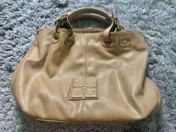 Skórzana torebka Givenchy