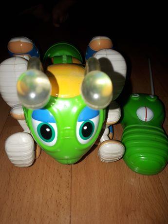 Интерактивная игрушка Муравей на радиоуправлении