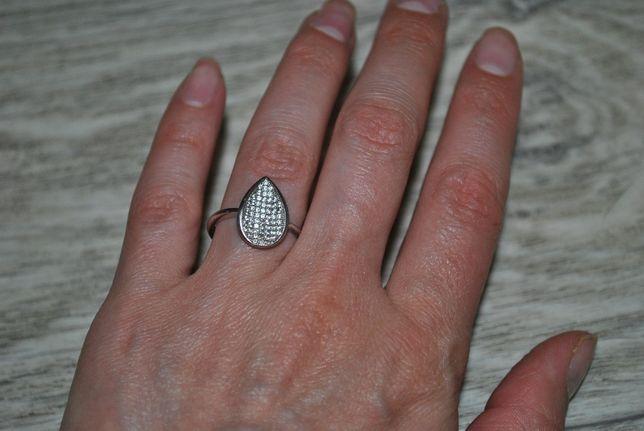 Кольцо 925 серебрянное блестящее фианиты цирконий 16,5