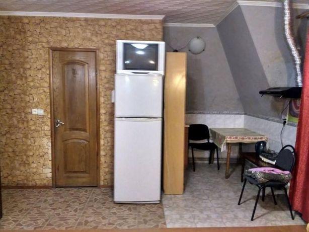 СНЯТЬ Комната с парковкой с душем посуточно в Киеве,недорого