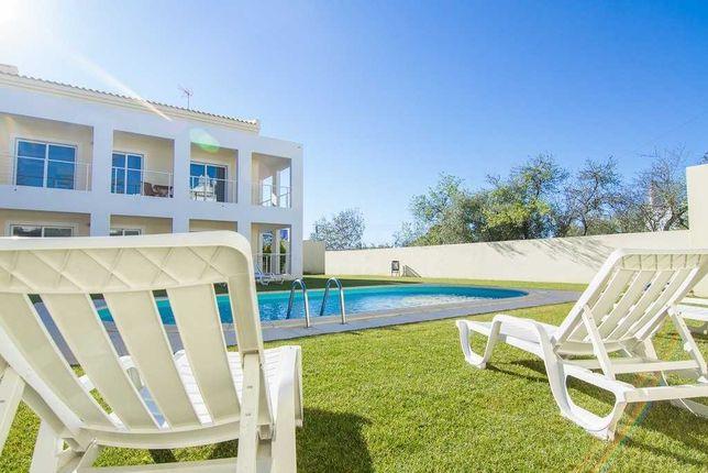 Alugo casa T2 Duplex c/jardim e piscina em Portimão