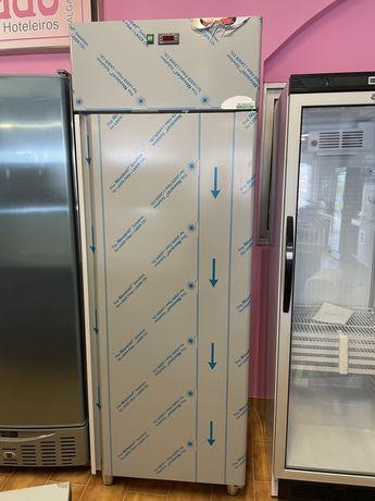 Armario vertical refrigeracao