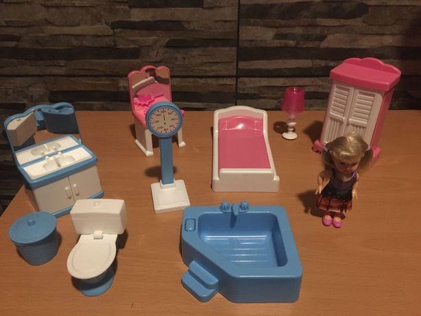 Conjunto boneca e móveis de dormitorio e casa de banho