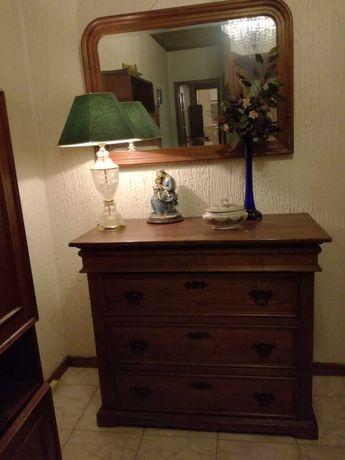 Conjunto móveis antigos em madeira maciça de linhas muito elegantes