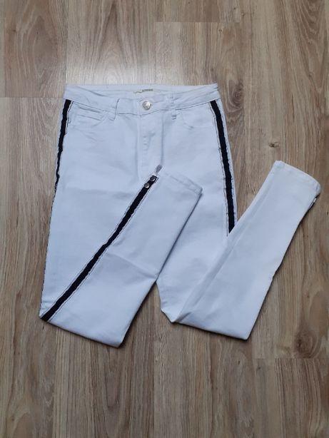 Spodnie rurki jeansowe białe lampasy