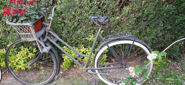 Stary przedwojenny rower