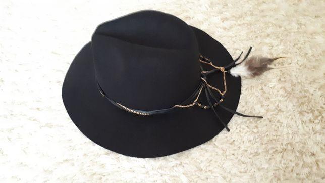 Nowy kapelusz Reserved rozm.M