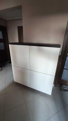 Pojemna i stylowa szafka stojąca (tylko do 2 sierpnia!)