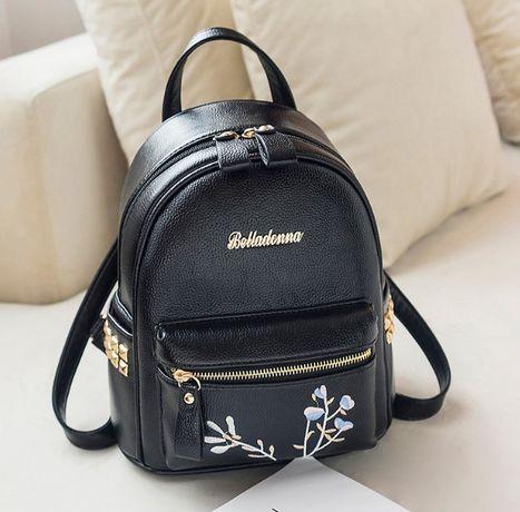 Женский качественный рюкзак с вышивкой цветы рюкзачок черный кожаный