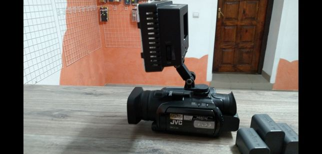 JVS  GZ-HD7ER,камера на HHD 60гіг+флешка