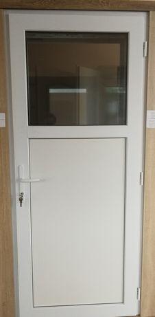 Drzwi lekkie pcv 100x210 białe / do pomieszczeń gospodarczych
