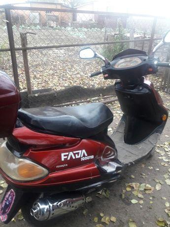 Продам   два   скутера.