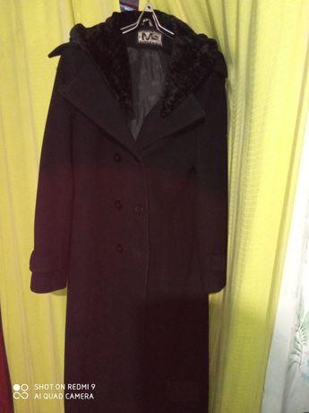 Пальто длинное зимнее с капюшоном