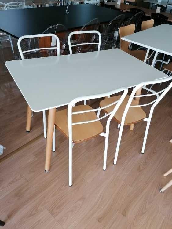 Mesa pés de madeira e tampo 120x70 lacado branco