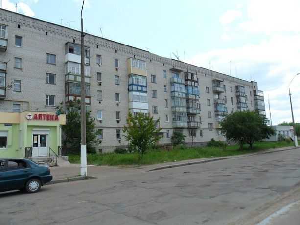 Продам 3х кімнатну квартиру в смт.Лугини