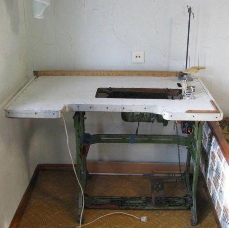Стол к швейной машинке