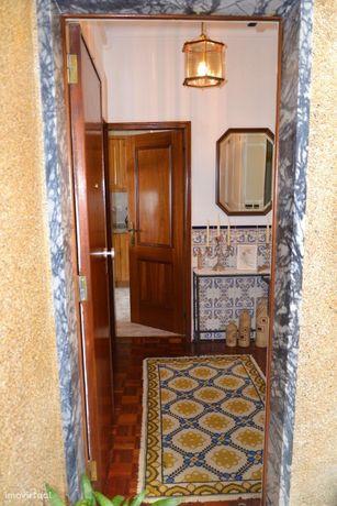 Apartamento T2 no centro de Queijas - 177.000 euros