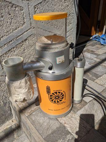 Електро мукомолка, измельчитель зерна, бобовых. Пекарня, кондитерские.