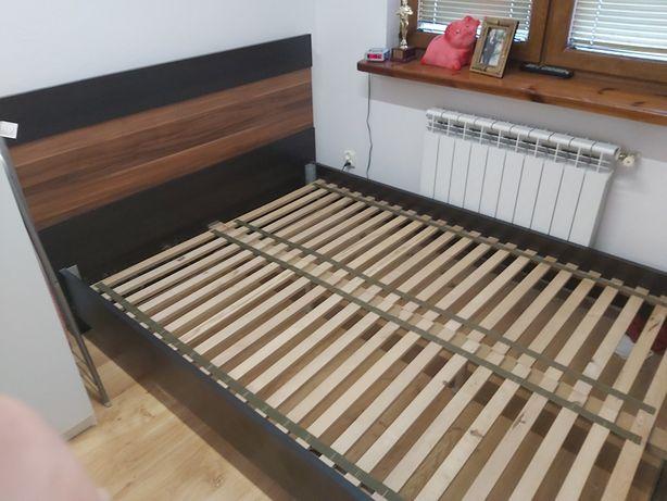 Łóżko sypialniane na materac 140cm.